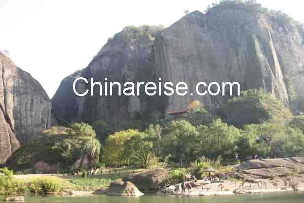 Wuyishan-Berge mit Blick auf den Tianyou Feng